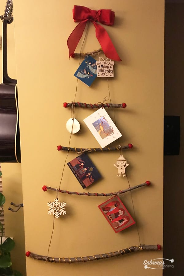DIY Christmas Tree Greeting Card Display Wall Decor